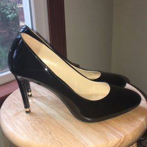 Michael Kors Patent Leather Round-toe Heels